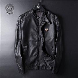 Кожаная куртка для мужчин фирмы VERSACE артикул 5063 цвета черного