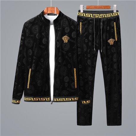 Красивый велюровый костюм домашний Versace черно золотой