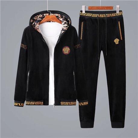 Плотный велюровый костюм для мужчин Версаче черно золотой