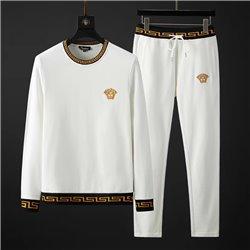 Белый костюм Версаче с золотыми матжетами с круглым воротом VERSACE 3453