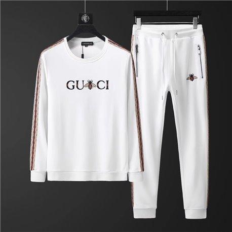 Белый трикотажный костюм Гуччи с джемпером артикул 4504