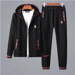 Мужской костюм Гуччи с капюшоном черный материал хлопок арт 4512
