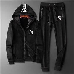 Велюровый костюм NY Yankees черного цвета куртка и штаны арт 4520
