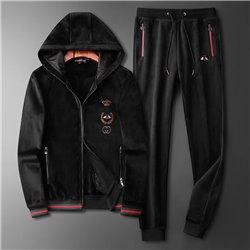 Теплый велюровый мужской костюм из Италии Guci арт 4523 черная кофта на молнии