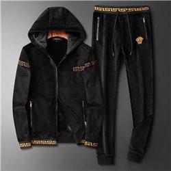 Повседневный костюм из велюра Версаче мужской купить арт 4531 кофта и штаны черные
