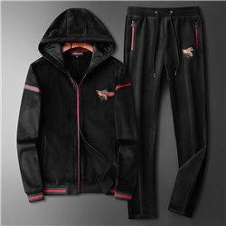 Итальянский черный спорт костюм Гучи со шмелем из велюра для мужчин купить арт 4532